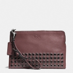 กระเป๋า COACH F52116 QBBRK BLEECKER LEATHER GROMMETS UNIVERSAL CASE WRISTLET