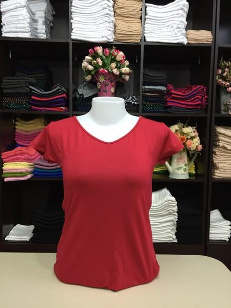 """เสื้อยืดคอวี สีแดงเข้ม size """"M"""""""