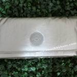 สินค้าพร้อมส่งจาก USA » กระเป๋าสตางค์ Kipling Pixi AC6107-130 Brownie Silvrbeige Wallet สีเงิน
