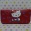 กระเป๋าสตางศ์ทรงยาว ฮัลโหลคิตตี้ Hello kitty#9 ขนาดยาว 7.5 นิ้ว x สูง 4 นิ้ว ลายคิตตี้โบว์สีแดงหัวใจ ซิปรอบพร้อมสายคล้องข้อมือ thumbnail 1