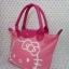 กระเป๋าถือหูหิ้ว ฮัลโหลคิตตี้ Hello kitty#2 ทรง LC ขนาด กว้าง 14 ซม. * ยาว 35 ซม. * สูง 22 ซม. สีชมพู ลายหน้าคิตตี้โบว์ thumbnail 5