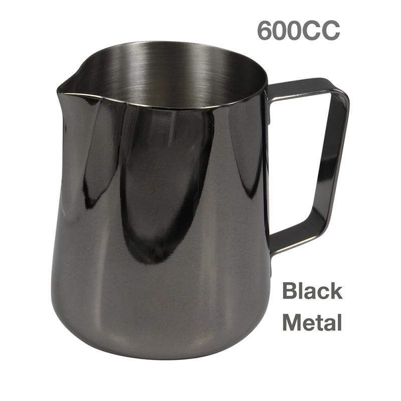 พิชเชอร์ เหยือกตีฟองนม 600 cc. สีดำเมทัล 1610-032-C01